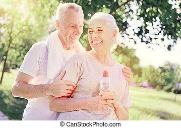 öregedő, képzés, után, mosolygós, család