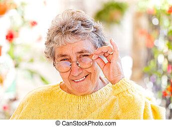 öregedő woman