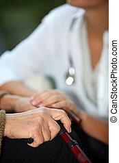 öregedő woman, társalgás, egy, ápoló