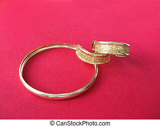 örhängen, armband