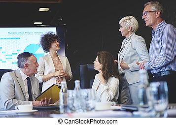 öt, ügy emberek, alatt, konferencia terem