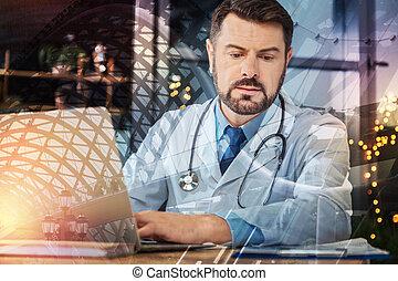 övé, orvos, laptop, látszó, időz, gépelés, figyelmes, hangjegy