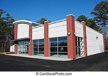új, modern, kereskedelmi épület