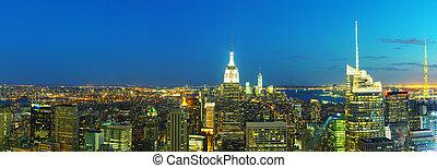 új york város, cityscape, alatt, a, éjszaka