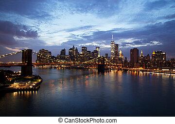 új york város, manhattan, belvárosi, noha, brooklyn bridzs, -ban, szürkület