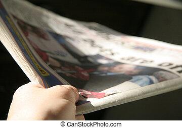 újság, kiszolgáltat