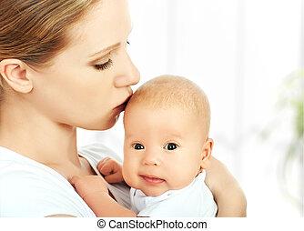 újszülött, csókolózás, anya, csecsemő