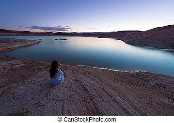 único, assento mulher, por, a, lago