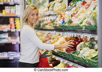 úsměv eny, buying, paprika, do, supermarket