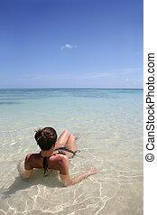 úszás, tenger, barna nő