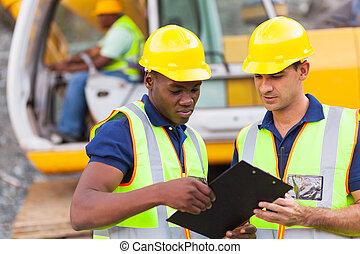 über, arbeit, bauplan, mitarbeiter, besprechen