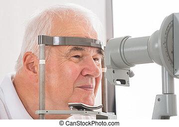 überprüfung sehvermögens, klinik, mann