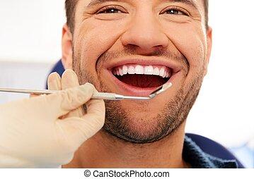 überprüfung, zahnarztes, z�hne, chirurgie, mann, glücklich