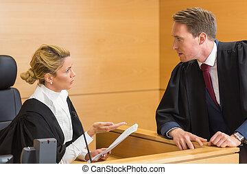 ügyvéd, beszélő, noha, a, bíró