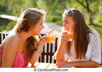 ülés, két, terasz, chating, leány, kávéház, barátok, boldog