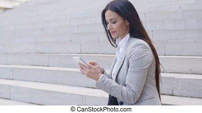 ülés, munkás, fiatal, telefon, lépések, meglehetősen