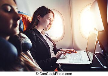 ül női, vállalkozó, laptop, repülőgép, dolgozó, ablak