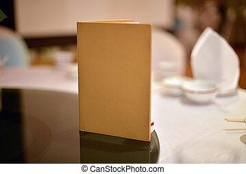 üres beír, fedő, képben látható, ebédlőasztal, alatt, esküvő ünnepély