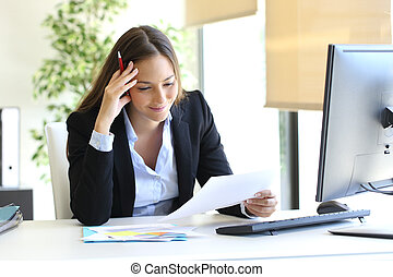 üzletasszony, felolvasás, egy, dokumentum