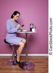 üzletasszony, kávéház, dolgozó, ült
