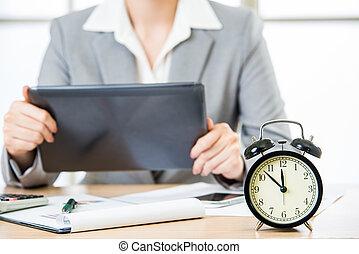 üzletasszony, noha, tabletta pc, alatt, állandó piac, időmérés
