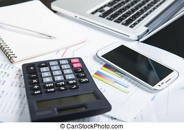 üzletember, elemzés, befektetés, táblázatok, noha, laptop.,...