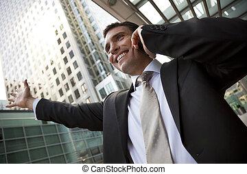üzletember, képben látható, övé, sejt, a városban