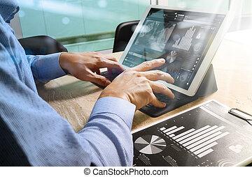 üzletember, kéz, dolgozó, concept., okmányok, pénzel,...