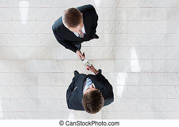 üzletember, megvesztegetés, kolléga, alatt, hivatal