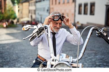üzletember, motorkerékpár, goggles., feltétel, idősebb...