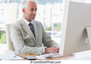 üzletember, számítógép, dolgozó, boldog