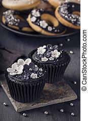 čerň, cupcakes, dále, jeden, dřevěný, grafické pozadí