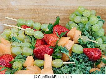 čerstvé ovoce, vystavit, kabobs