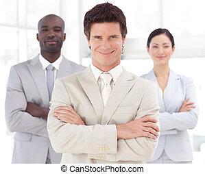 člověk obchodního ducha, usmívaní, před, business četa