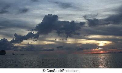 łódka, żagiel, zachód słońca, morze, motor