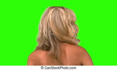 ładny, kobieta, podrzucanie, jej, włosy