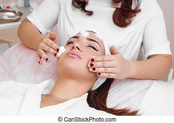 łuszczenie, salon., piękno, czyszcząc