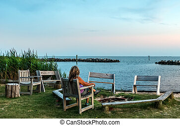 őrzés, chesapeake öböl, napnyugta, női, tengerpart