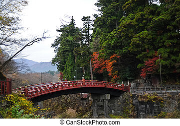 ősi, japán, piros, körív, bridzs, és, ősz kilépő, alatt, senda, japán