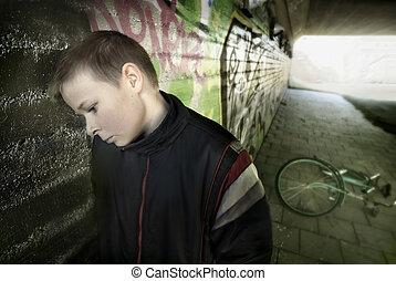 ściana, chłopiec, przewrócić, przeciw, nachylenie