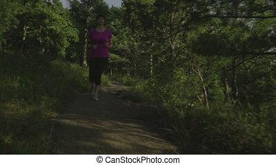 ślad bieg, kobieta, las, stosowność