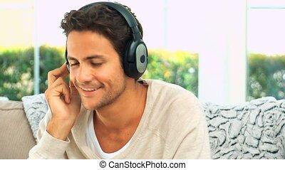 śliczny, muzykować słuchanie, człowiek