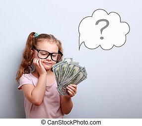 śniący, sprytny, koźlę, dziewczyna, w, okulary, kibicując, pieniądze, i, myślenie, jak, może, przebyć, jego, z, ilustracja, bańka, i, pytanie, znak, nad, na, błękitne tło