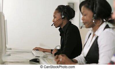 środek, rozmowa telefoniczna, portierzy, samica