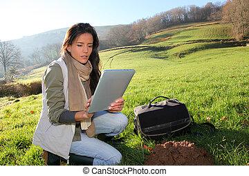 środowiskowy, kobieta, naukowiec, wyjścia