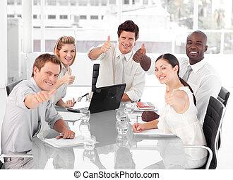 świętując, handlowy, powodzenie, drużyna