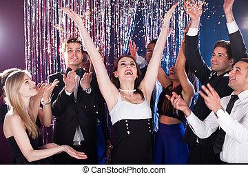 świętując, przyjaciele, nightclub