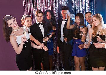 świętując, szczęśliwy, przyjaciele, nightclub