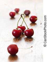 świeże wiśnie, czerwony
