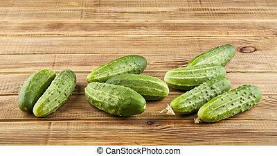 świeży, zielony, soczysty, ogórki